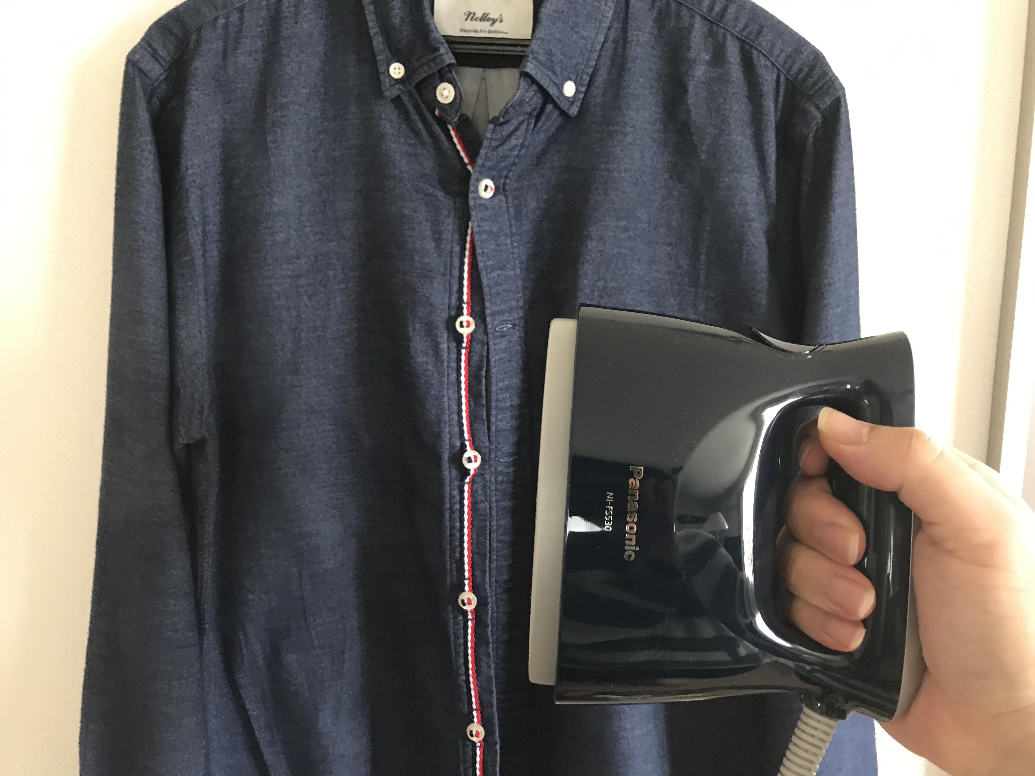 4月21日新発売!パナソニックの衣類スチーマー NI-FS530を購入!ハンガーにかけたまま、驚くほど簡単にしわが取れる!!!
