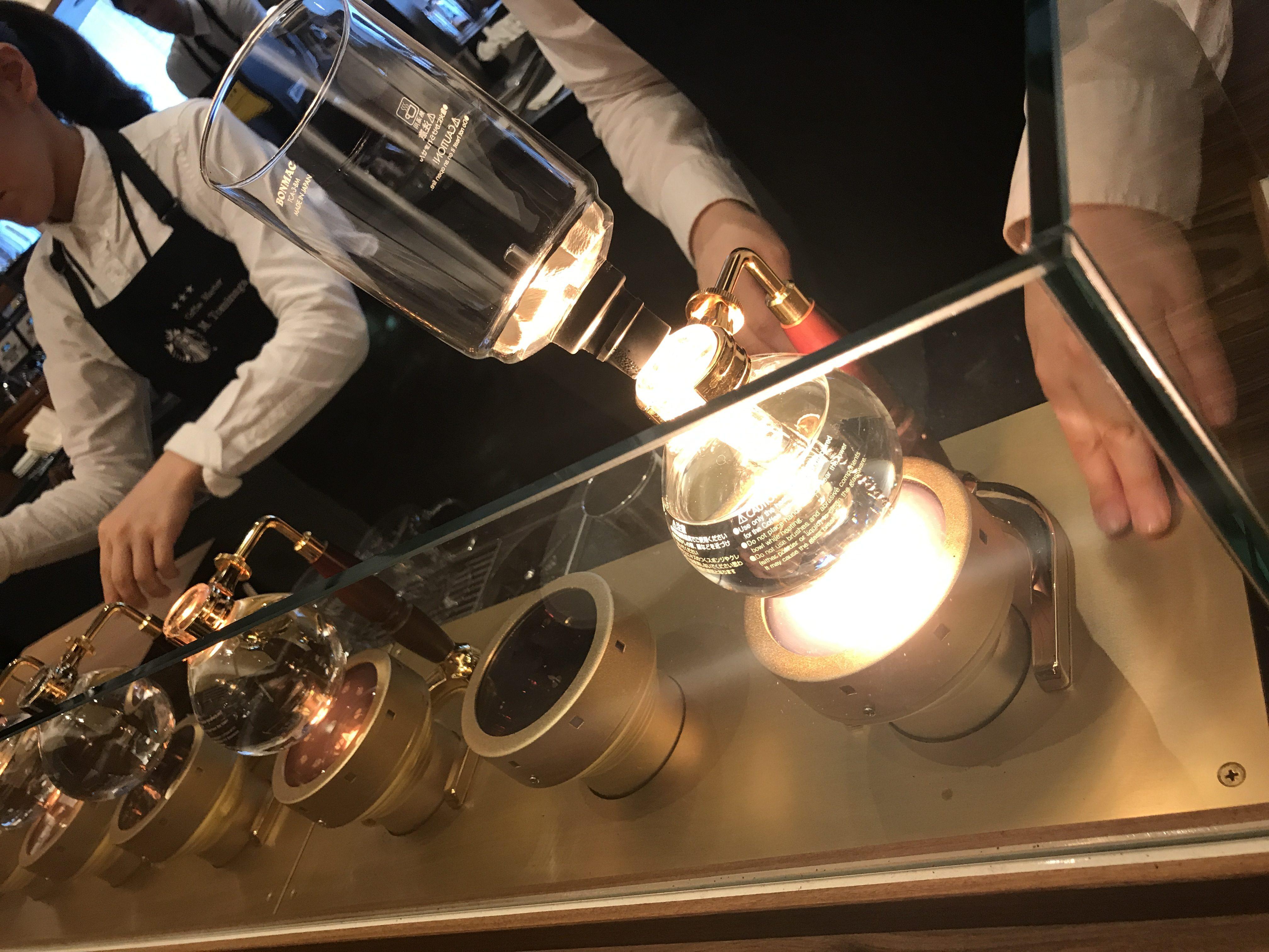 GINZA SIXのStarbucks Reserve Barで、バリスタから極上のサイフォンコーヒーの淹れ方を教えてもらった!