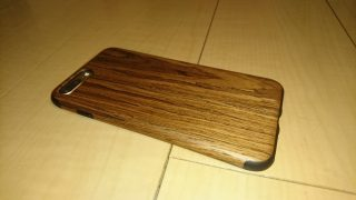 iPhoneに木のぬくもりを。天然木を用いたTao Techのケースを買ってみた