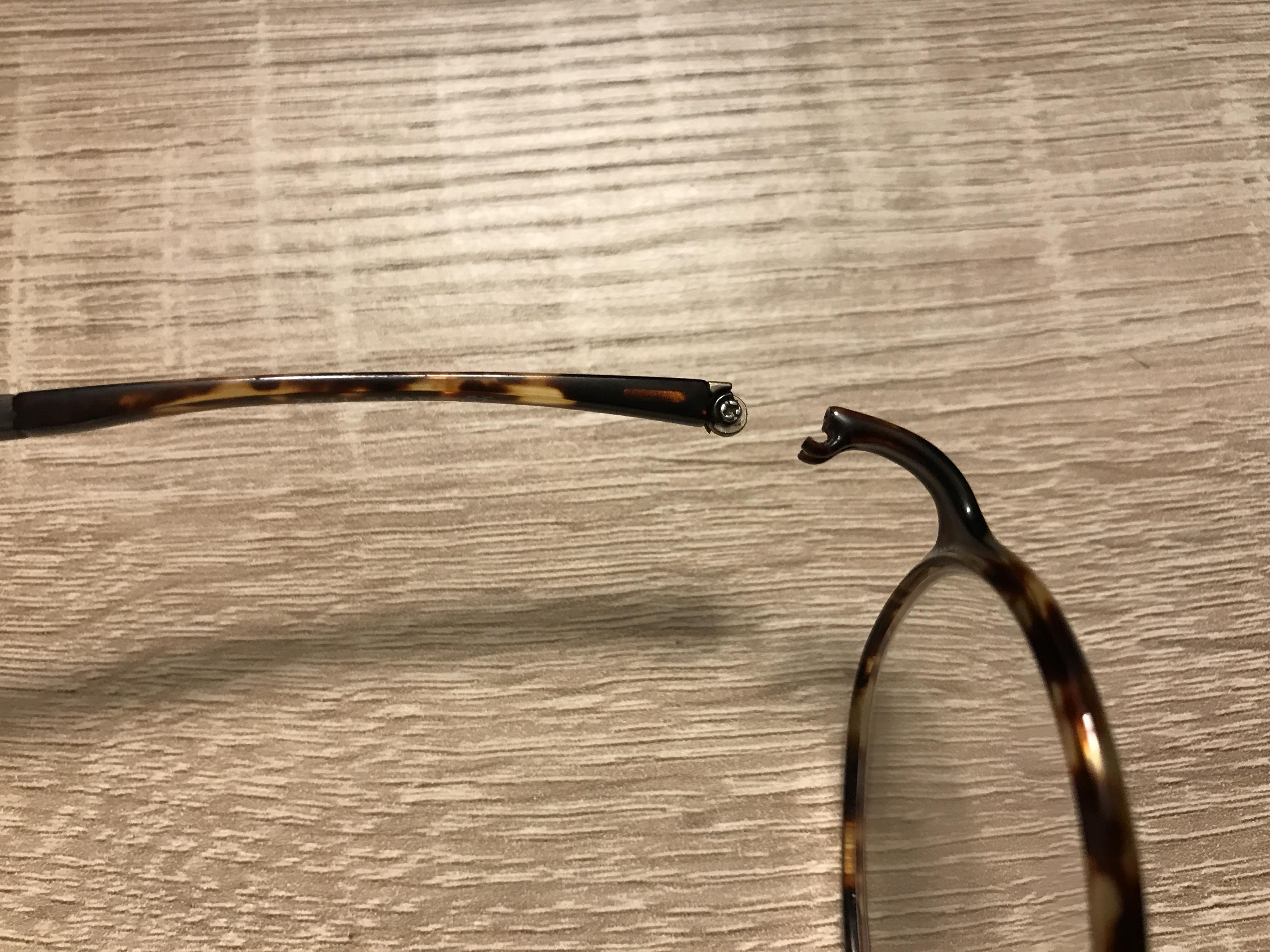 Zoff Smartのメガネが壊れた。ショック!