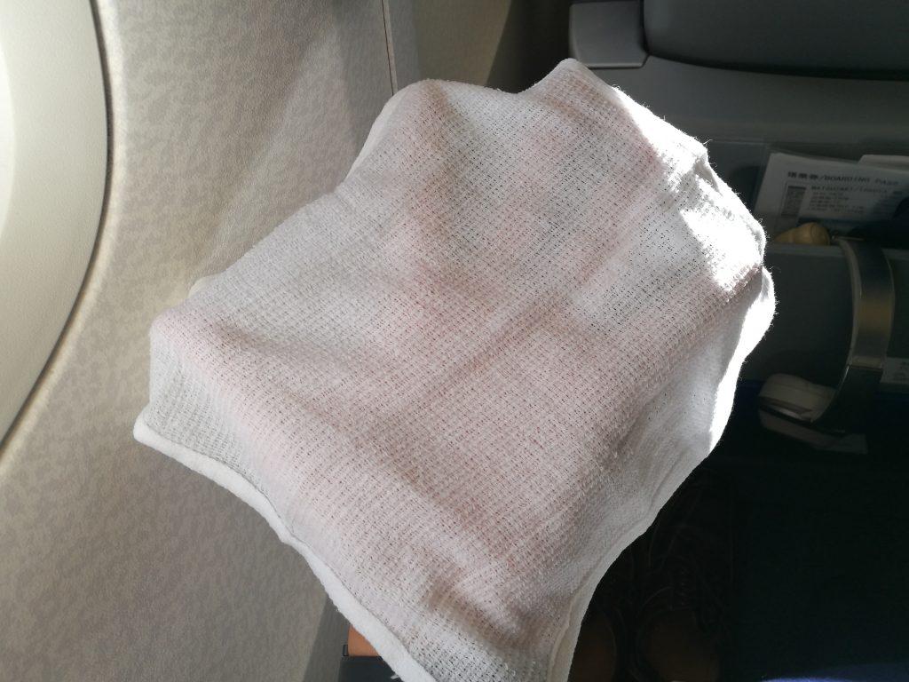 お手拭きは布製