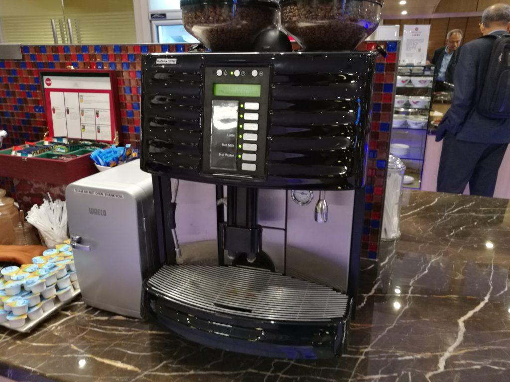 SATS Premier Lounge コーヒーメーカー